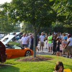 Crowd Around the LP640
