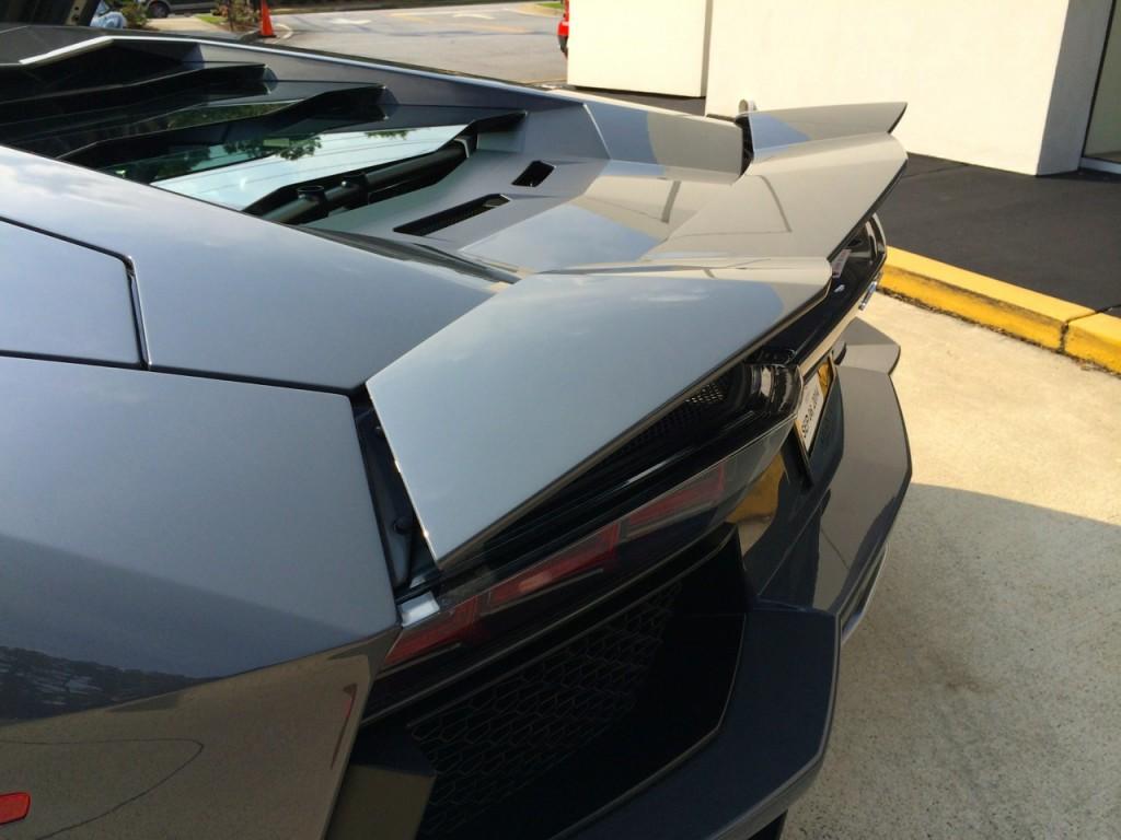 Lamborghini Aventador Rear Wing Bar Mode