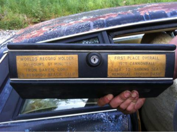 1978_Jaguar_XJS_Cannonball_Run_Winner_Dash_Plaques_resize