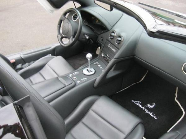 Lamborghini Murcielago Roadster with 6 speed manual gearbox