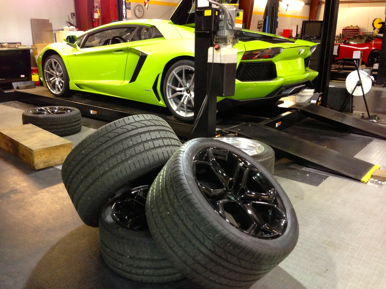 What Size Tire >> Lamborghini Aventador Wheel Swap – Ed Bolian